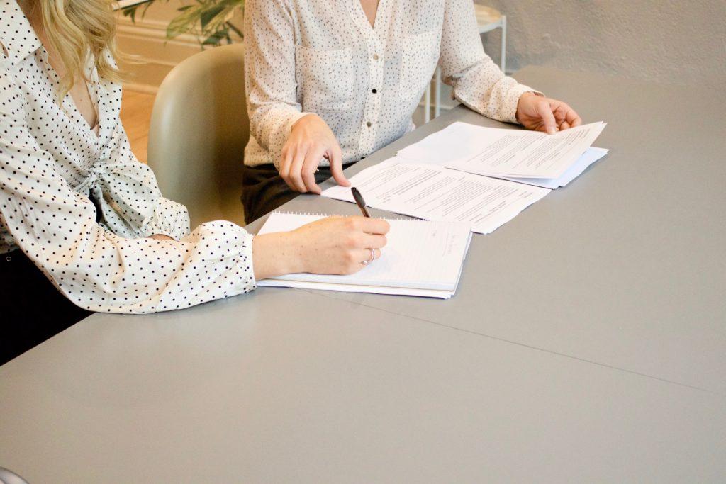 Remplir de documents d'aide juridictionnelle