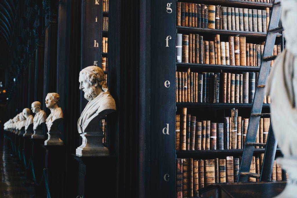 Bibliothèque livres droit
